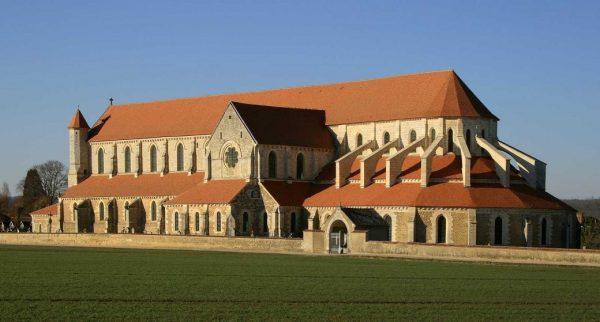 Abbaye-de-Pontigny-1040x559