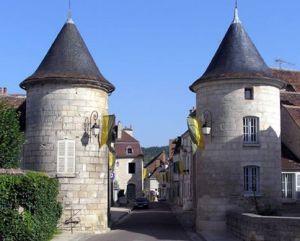 https---www.escapadegourmande.fr-wp-content-uploads-2016-02-chablis-porte-vin-bourgogne